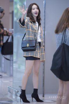 Seoul Fashion, Asian Fashion, Street Fashion, Yoona Snsd, Sooyoung, Airport Fashion Kpop, Casual Outfits, Fashion Outfits, Incheon