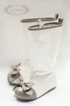 Cutest rainboots ever!!! - Click image to find more hot Pinterest pins