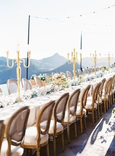 Breathtaking Malibu tablescape: http://www.stylemepretty.com/2016/06/28/a-stunning-mountaintop-wedding-with-a-meaningful-details/ | Photography: The Great Romance - http://thegreatromancephoto.com