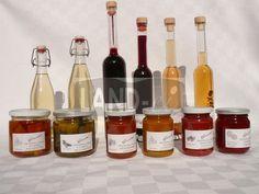 Unsere aromatischen LAND-ei-Erzeugnisse erfreuen Ihren Gaumen. Wine, Drinks, Bottle, Food, Drinking, Beverages, Flask, Essen, Drink