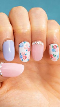 Simple Easter Nail Art Design Ideas To Copy Easter is here. Do you want to use any Easter nail designs to celebrate the holiday? We have collected dozens of simple Easter nail designs, Round Nail Designs, Nail Art Designs Videos, Nail Art Videos, Simple Nail Designs, Nail Designs Floral, Nail Designs For Kids, Nail Art Flowers Designs, Animal Nail Designs, Easter Nail Designs