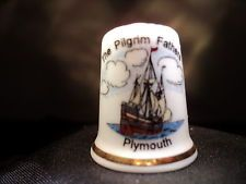 Thimble PLYMOUTH THE PILGRIM FATHERS bone china made in England (CODE 200)
