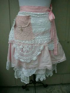 Love the shabby chic of this apron--So pretty!!