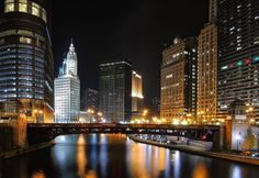 The Chicago Ghost Tour is one of Best Tours most popular Chicago walking tours. Visit some of the most haunted places in Chicago, and hear the scariest stories about them! Chicago At Night, Places In Chicago, Chicago Tours, Moving To Chicago, Chicago Usa, Chicago River, Chicago Style, Ghost Walk, Bridge