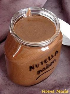 nutella maison (sans huile de palme évidemment) homemade Nutella without the palm oil. Thermomix Desserts, Dessert Recipes, Nutella Cookie, Cooking Time, Cooking Recipes, Food Inspiration, Love Food, Sweet Recipes, Chutney