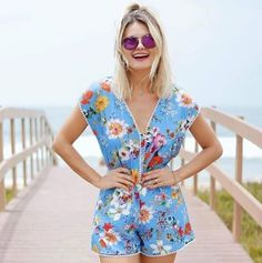Delicia essa sensação de leveza que o fim de semana proporciona! Inspiração no look fashion e confortável da @maridalla ☀️ #oticaswanny #maridalla #dior #abstract #sabadou #delicia #praia #sol #fimdesemana