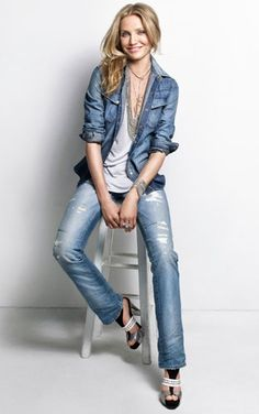 Love this casual denim look!