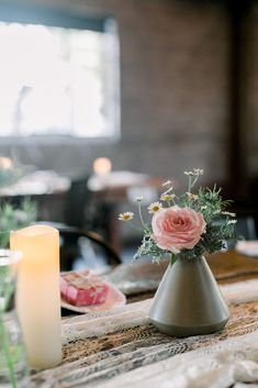 This modern easter tablescape inspiration included minimal grey bud vases. The spring flowers were so beautiful inside of this Los Angeles wedding venue. California Wedding Venues, Spring Wedding Inspiration, Destination Wedding Planner, Wedding Table Decorations, Bridesmaids And Groomsmen, Outdoor Wedding Venues, Festival Wedding, Bud Vases, Wedding Colors