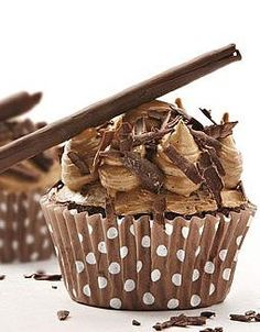 Because only Belgian chocolate is truly good enough: Callebaut - Chocolate and Coffee Cupcake (PLEASE NOTE: I pinned this to try and convert it to gluten-free) Frost Cupcakes, Baking Cupcakes, Yummy Cupcakes, Cupcake Cookies, Cupcake Recipes, Dessert Recipes, Cupcake Cupcake, Cupcake Wrappers, Köstliche Desserts