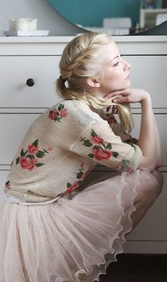 Floral cardi + pink tulle + sweet hair-do = amazingly feminine!