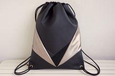 Turnbeutel - Gym Bag Golden Leather Wings with zipper pocket - ein Designerstück von NOAS_Berlin bei DaWanda
