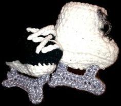 Crochet Skate Booties  http://www.crochethooksyou.com/crochet-newborn-booties-pattern/