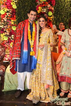 Pakistani bride & groom at their mehndi Pakistani Mehndi Dress, Bridal Mehndi Dresses, Pakistani Wedding Dresses, Pakistani Outfits, Indian Outfits, Mehendi, Desi Bride, Desi Wedding, Wedding Wear