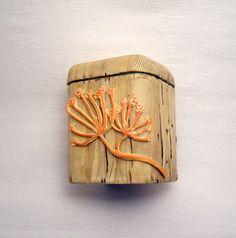 Martina Buriánová - krabička s imitací dřeva a dalších přírodnin podle workshopu Andrey Zajacové z 2.ročníku Polymerové školy online