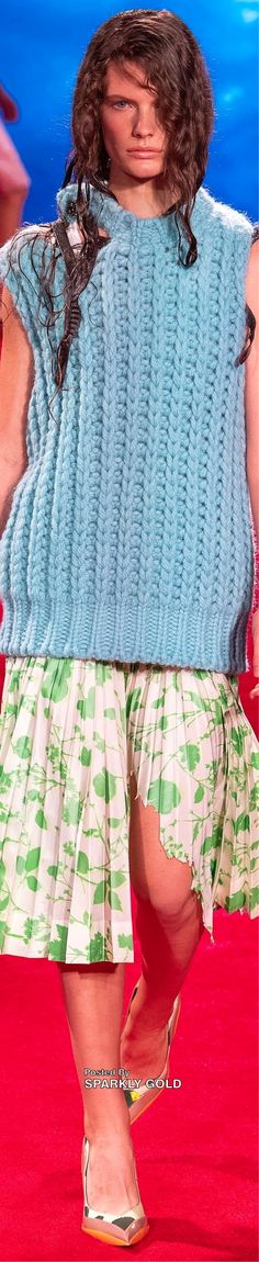 Ny Fashion Week, Spring Fashion, Fashion Trends, Women's Dresses, Knitting Patterns Free, Free Pattern, Calvin Klein Collection, Couture, Stitch Fix