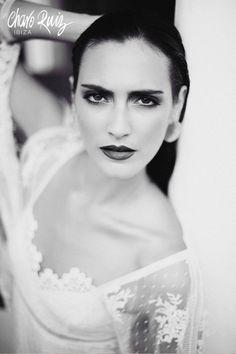 Brilla llena de elegancia y sensualidad en tu gran día con la colección Bride light de Novias by Charo Ruiz  00338_VESTIDO BUSTO MANGA  www.charoruiz.com