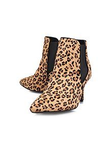 Scamp low heeled boots