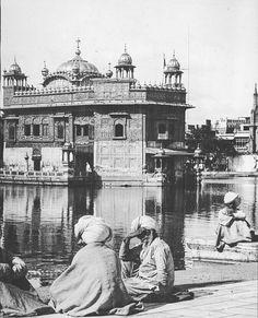 Harmandir Sahib  1927  via @samurainoops