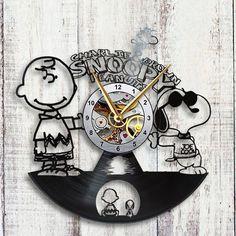 Reloj de pared de registro de Charlie Brown & por VinylTheClock