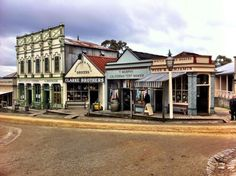 History brought to life - Sovereign Hill in Ballarat, Victoria, Australia. Victoria House, Historic Houses, Shop Fronts, Victoria Australia, Gold Rush, Road Trips, Geography, Old Photos, Travel Destinations