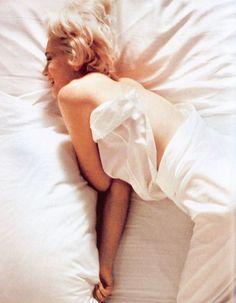 1961- Marilyn by Douglas Kirkland