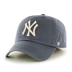 42689d10b39b4 New York Yankees 47 Brand Vintage Navy Franchise Fitted Hat