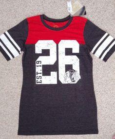 NEW Womens/Ladies CHICAGO BLACKHAWKS 26 T-SHIRT Dark-Gray/Red/White 1926 Striped #RetroSport #ChicagoBlackhawks
