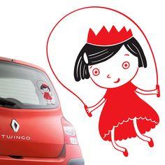"""Dorotka+""""Dorotka+je+naše+malá+princezna,+chvilku+neposedí+a+ze+všeho+nejraději+skáče+přes+švihadlo""""+Roztomilá+varianta+klasické+nálepky+""""Dítě+v+autě.""""+Originální+způsob+jak+upozornit+ostatní+řidiče,+že+vezete+dítě.+Samolepku+je+možné+aplikovat+na+okno+či+karoserii+vašeho+auta.+Nálepka+má+rozměry:20cm+x+11cm+Text+je+možné+pozměnit+dle+Vašeho+přání:+Dítě+v+..."""