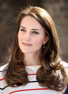 Kate Middleton prank call DJ Mel Greig admits royal hoax was factor in her divorce - but she won't say poor me - Mirror Online Greig and radio co-host Michael Christian placed a hoax call to a London hospital treating the duchess in 2012 Cabelo Kate Middleton, Kate Middleton Makeup, Looks Kate Middleton, Kate Middleton Haircut, Kate Middleton Fashion, Kate Middleton Dress, Princesa Kate, The Duchess, Royal Families