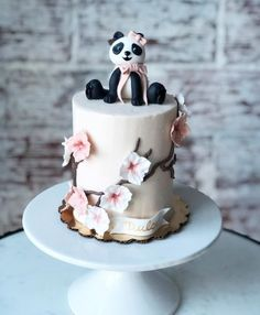 15 Panda Cake Ideas That Are Absolutely Beautiful 2nd Birthday Cake Girl, Types Of Birthday Cakes, Panda Birthday Cake, Bear Birthday, Birthday Ideas, Happy Birthday, Panda Bear Cake, Panda Cakes, Bear Cakes