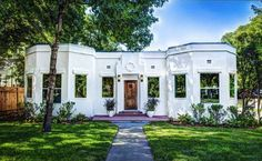 """This property is just very interesting in Alamo Heights. Built in and it just says """"artist. Alamo Heights, Guest Suite, Spare Room, Pool Houses, Mansions, Interior Design, House Styles, Building, Artist"""