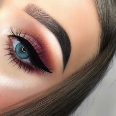 Discover the home of fast beauty and shop award winning make up, skincare and haircare. Glitter Eyeshadow, Eyeshadow Looks, Eyeshadow Makeup, Makeup Brushes, Eyeshadows, Pretty Makeup, Love Makeup, Makeup Inspo, Makeup Ideas