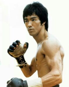 What is defeat? Nothing but education; Nothing but the first step to something… Bruce Lee Art, Bruce Lee Martial Arts, Bruce Lee Photos, Bruce Lee Workout, Bruce Lee Collection, Ju Jitsu, Brandon Lee, Enter The Dragon, Martial Artist
