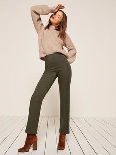 50 Perfect Work Outfit Inspiration for Women - Fashion Creed Work Fashion, Fashion Work. Womens Wear to Work Outfit Ideas and Inspiration. Classy Work Outfits, Classy Casual, Work Casual, Office Outfits, Office Wear, Work Fashion, Fashion Outfits, Womens Fashion, Office Fashion
