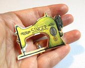 Singer Sewing Machine Pinback Button Brooch