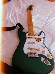 Vintage Electric Guitars, Cool Electric Guitars, Vintage Guitars, Music Guitar, Cool Guitar, Playing Guitar, Guitar Photography, Grunge Photography, Indie Pop