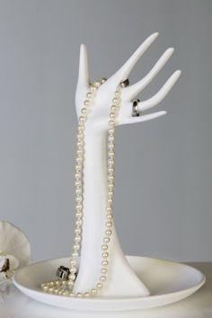 Stojan na šperky RUKA