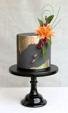 Endless cake decorating inspiration - wedding cakes, birthday cakes for boys and girls, cookies, cupcakes and more. Pretty Cakes, Beautiful Cakes, Amazing Cakes, Cupcakes, Cupcake Cakes, Mini Wedding Cakes, Bolo Cake, Gateaux Cake, Cake Tasting