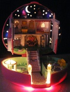 ahhh this was my favorite polly pocket! 90s Toys, Retro Toys, Vintage Toys, Polly Pocket World, Polly Polly, Childhood Movies, Up House, 90s Nostalgia, The Good Old Days