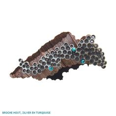 Broche in Silver, wood and turquoise by Inge Rens Jewellery