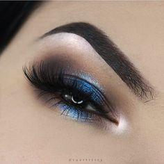 . . @limecrimemakeup Venus palette @urbandecaycosmetics moondust palette @luxylash lashes in pretty on fleek @anastasiabeverlyhills brows