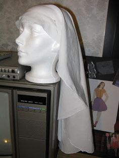 Tutorial (Beginner) - How to wear a medieval veil.