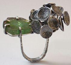 Nicola Heidemann.  ring kleine Waldlandschaft   oxydized silver, turmalin
