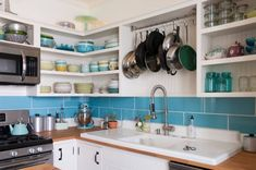 Kitchen remodel ideas on a budget eclectic kitchen, modern kitchen de Glass Front Cabinets, Wooden Cabinets, Kitchen Cabinets, Custom Cabinets, Glass Kitchen, New Kitchen, Kitchen Dining, Compact Kitchen, Awesome Kitchen