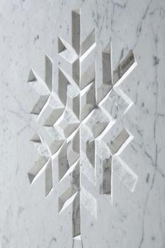 Bez tytułu, 2013, 40 x 40 x 3 cm, marmur, autor: Bartek Buczek autor zdjęcia: Barbara Kubska