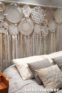 dream catcher catches dreams headboard bohemian decoration bedroom decoration headboard style bohemian chic ethnic decorative object Source by rhinov_ Lace Dream Catchers, Dream Catcher Decor, Dream Catcher Boho, Home Crafts, Diy Home Decor, Diy And Crafts, Room Decor, Bohemian Decoration, Doilies Crafts