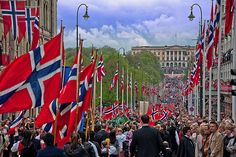 17 mai, Karl Johans Gate, Oslo | Flickr - Photo Sharing!