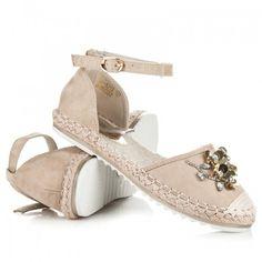 Dámské sandále Marquiz Pemara hnědé – hnědá Něžné sandálky vám zpříjemní úplně každý den. Vaše noha nebude klouzat, ale pevně ji zachytí řemínek. Svršek byt je vyroben s krystalky ve tvaru květiny. Boty jsou vyrobeny … Ladies Sandals, Baby Shoes, Footwear, Clothes, Decor, Fashion, Tall Clothing, Dekoration, Moda