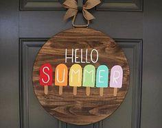Brilliant Ideas For DIY Summer Decoration 46 Fall Door Hangers, Wooden Door Hangers, Wooden Doors, Pop Sicle, Fall Door Decorations, Diy Summer Decorations, Summer Decorating, Summer Signs, Spring Door