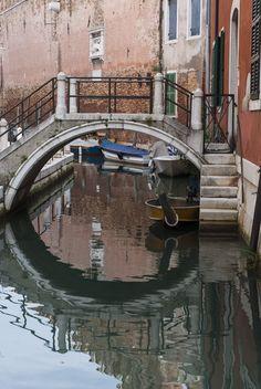 #boat #bridge #venice #venezia #color #italy #italia #reflection Venice, Reflection, Bridge, Boat, Explore, Color, Italia, Dinghy, Venice Italy